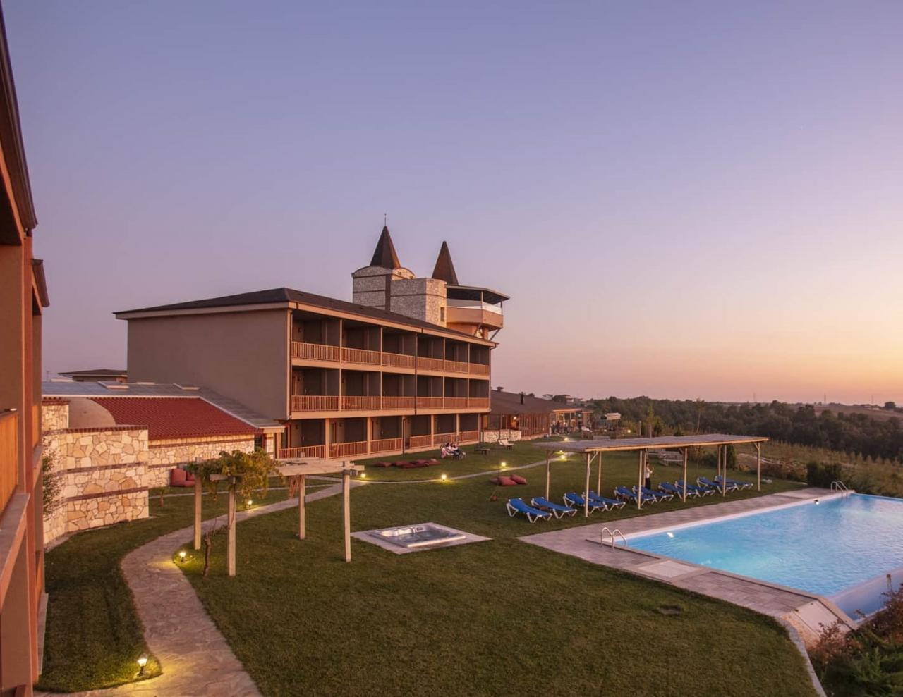 Bakucha Vineyard Hotel